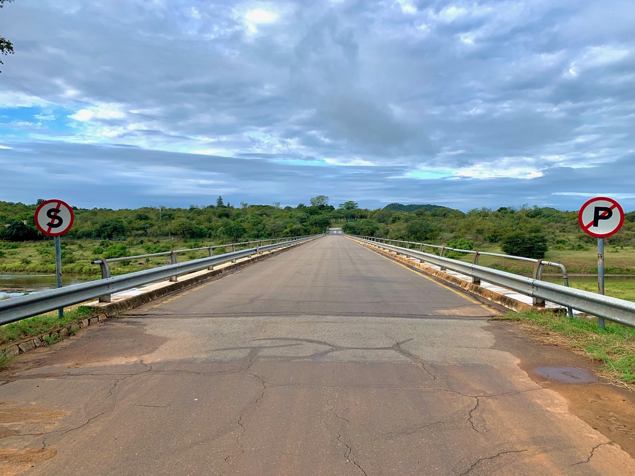 an empty bridge at Malalane Gate during the Corona virus pandemic